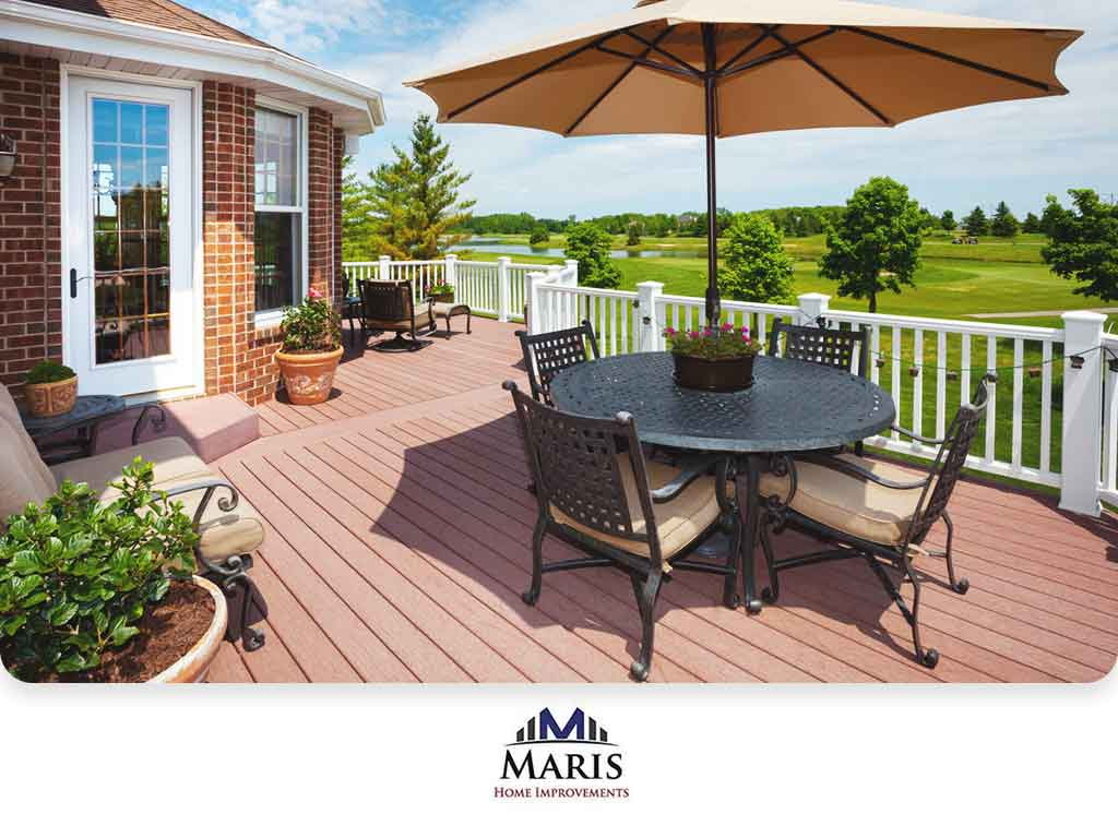 Vinyl Decking and Its Pros and Cons